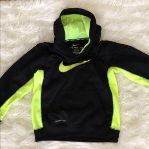 Nike boys therms-fit pullover